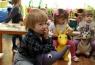 Какой взнос должны платить родители при зачислении в детский сад? И если есть место в саду, может ли заведующая отказать?